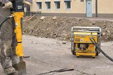 Portable powerpack for demolition and breaking concrete up to 300mm.